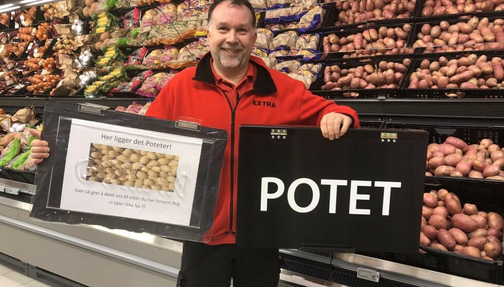 SMART TRIKS: Butikksjef Bjarne Larsen irriterte seg over at potetene ble dårlige og måtte kastes, og pønsket ut en lur løsning. Foto: Coop