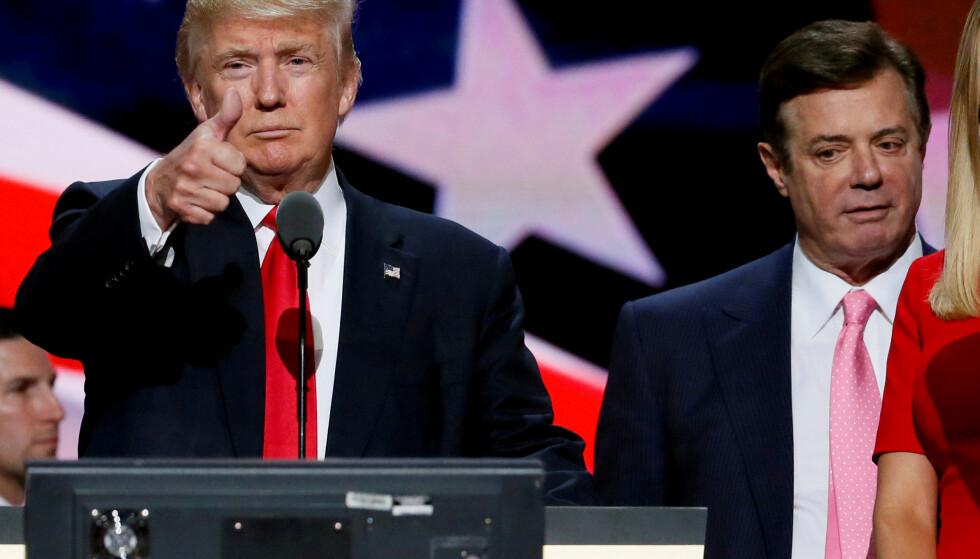 PRESIDENTENS MENN: Donald Trump sammen med valgkamplederen Paul Manafort, en av flere nære medarbeidere som enten er under etterforskning, siktet eller dømt til flere års fengsel i forbindelse med etterforskninger rundt ham. Nå hevder han at Mueller-etterforskningen renvasker ham fullstendig. Ikke helt sant det heller. Foto: Rick Wilking / Reuters / NTB Scanpix