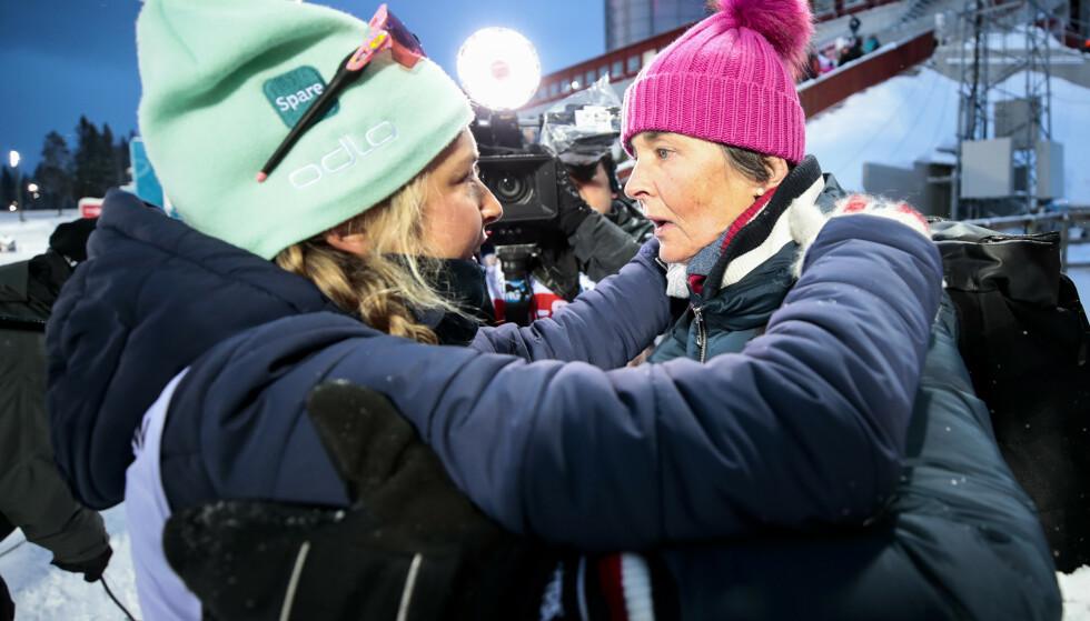 KLEM: Ingrid Landmark Tandrevold og mamma Bente Landmark etter målgang. Foto: Lise Åserud / NTB scanpix
