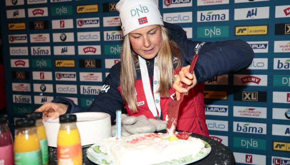 KAKE: Ingrid Landmark Tandrevold slo til på direkten i debuten i skiskytter-VM. Sølvjenta har allerede innfridd målet, men lover å gi absolutt alt også i fortsettelsen.  Foto: Lise Åserud / NTB scanpix