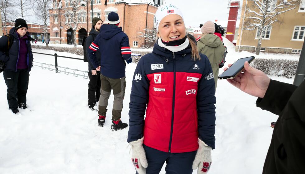 POPULÆR: Ingrid Landmark Tandrevold brukte fredagskvelden og lørdag morgen til å suge på VM-karamellen etter knalldebuten som ga sølv på sprinten.   Foto: Lise Åserud / NTB scanpix