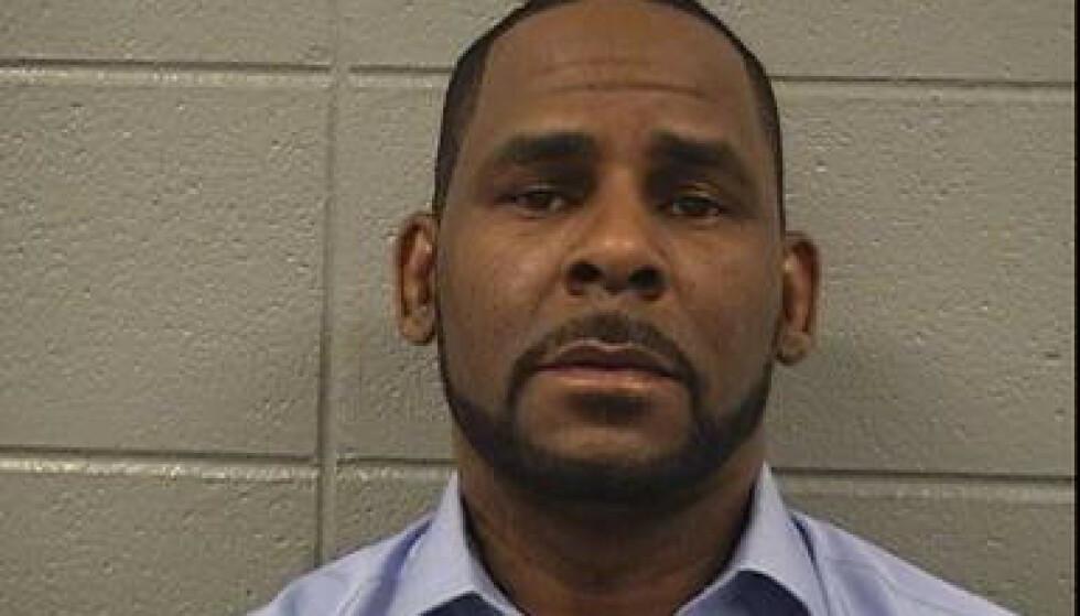 PÅGREPET: R. Kelly ble tidligere denne uka pågrepet. Nå løslates han. Foto: Reuters / NTB scanpix