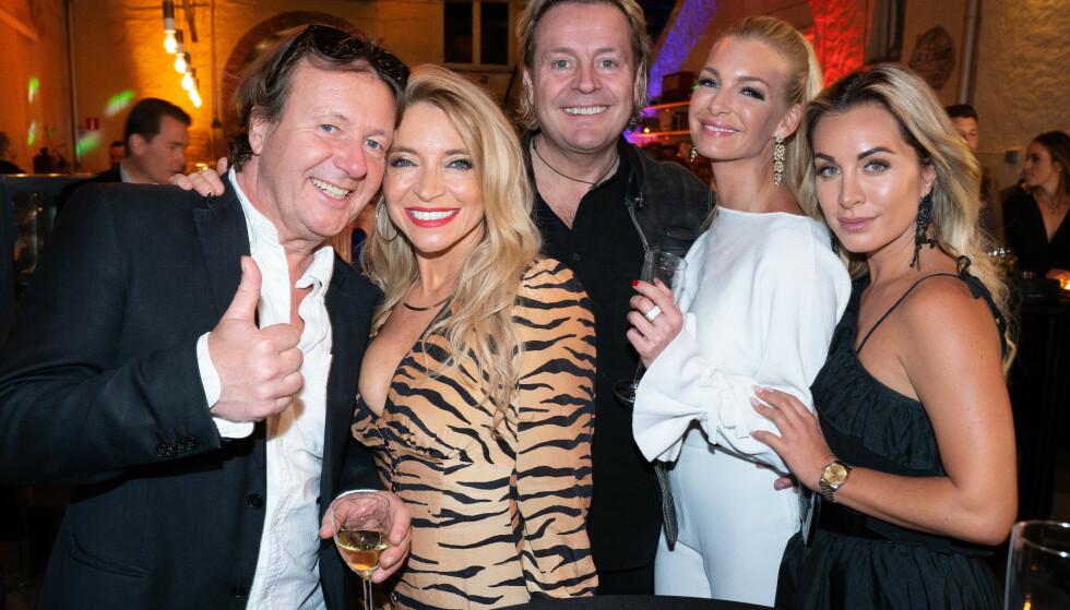 FLOTT GJENG: Svein Østvik, Trude Mostue, Runar Søgaard, Kathrine Sørland og Carina Dahl. Foto: TV 2
