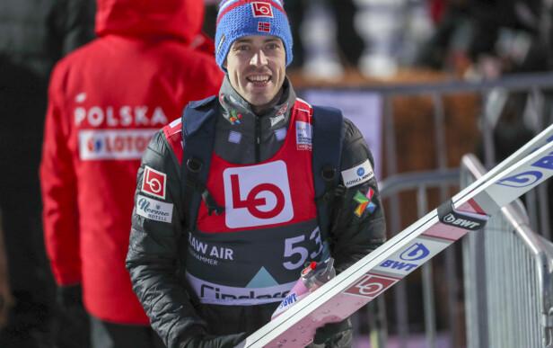 SNART FERDIG: Andreas Stjernen er inne i sin siste uke som skihopper. Her fra kvalifiseringen i Raw Air på Lillehammer mandag kveld. Foto: Geir Olsen / NTB scanpix
