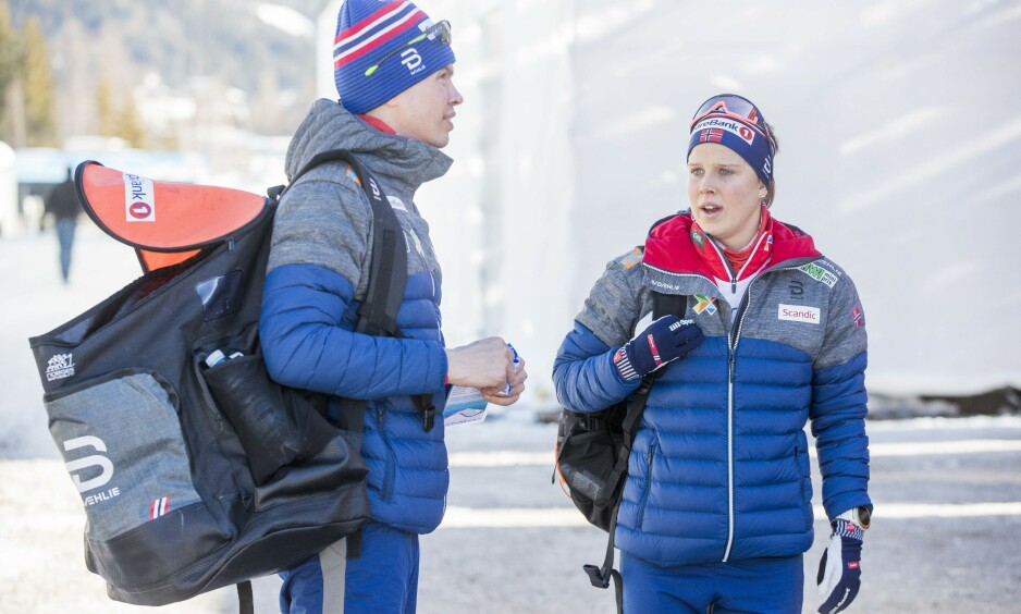 STÅR OVER: Kari Øyre Slind, her sammen med Geir Endre Rogn - assistenttrener for kvinnelaget Foto: Terje Pedersen / NTB scanpix