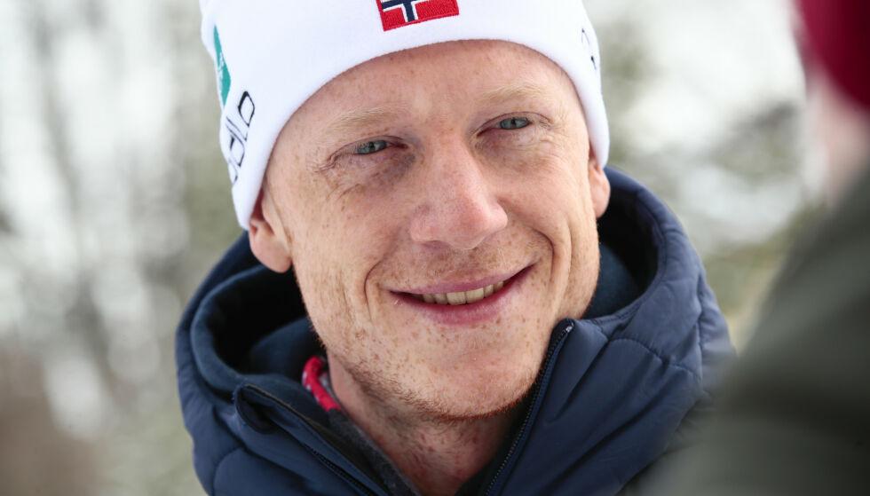 SER FRAMOVER: Johannes Thingnes Bø har hatt sin beste sesong noensinne. Skiskytteren forteller til Dagbladet at han ser for seg karriereslutt som 28-åring. Foto: Lise Åserud / NTB scanpix