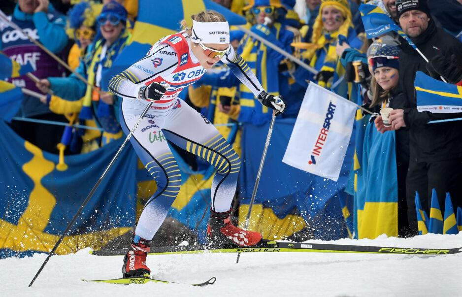TIL TOPPS: Stina Nilsson vant sprinten på hjemmebane. Foto: Ulf Palm/TT News Agency/via REUTERS/NTB Scanpix