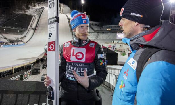 LANGT BAK: Verken Robert Johansson eller Alexander Stöckl var fornøyd med lørdagen i Vikersund. Dette bildet ble tatt på Lillehammer tidligere i uka. Foto: Geir Olsen / NTB scanpix