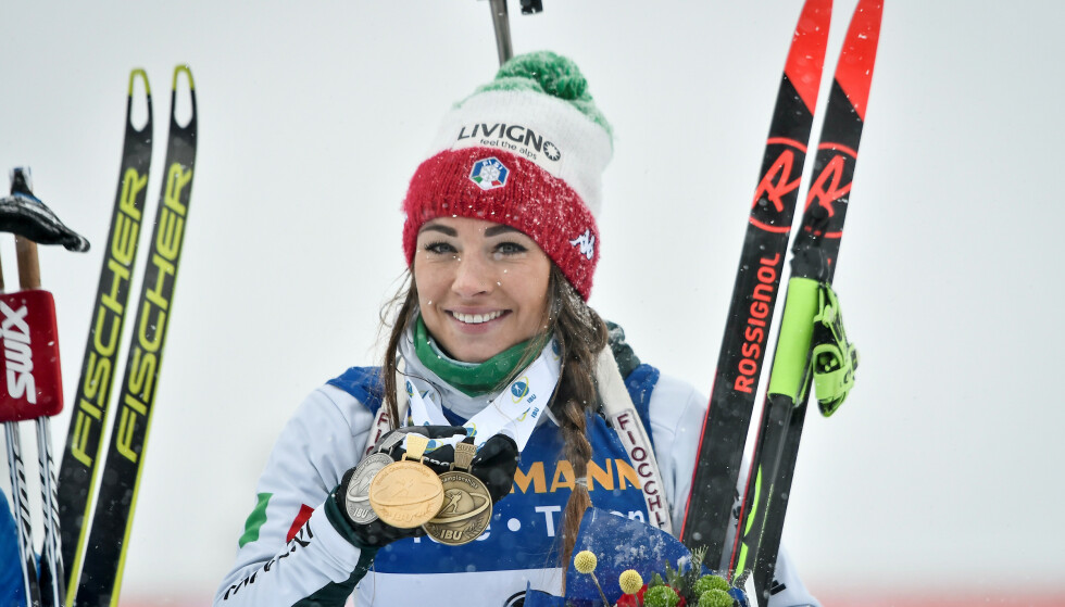 GULL: Dorothea Wierer fra Italia tok VM-gull på fellesstarten. I går sto hun over stafetten etter mageproblemer. Foto: NTB Scanpix