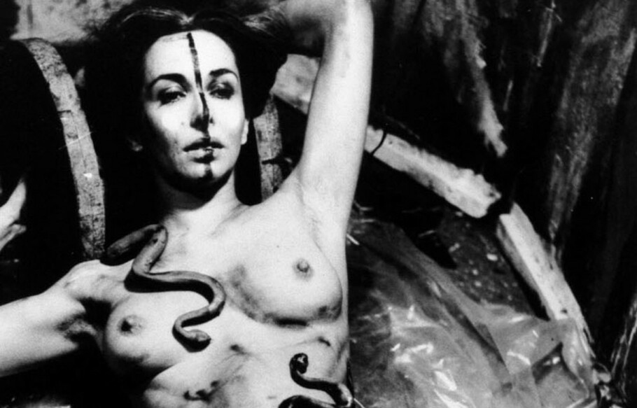 ØYE OG KROPP: I fotoserien «Eye Body» av egne performance-akter fra 1963, kombinerer Schneemanns malerens øye og performancekunstnerens kropp. Serien ble presentert på Office for Contemporary Art i Oslo i 2008. FOTO: CAROLEE SCHNEEMANN / ERRÓ