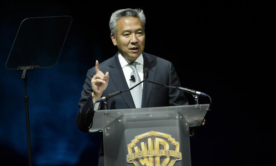 TREKKER SEG: Etter anklagelser om å ha byttet roller mot sex har Kevin Tsujihara nå måtte takke for seg i rollen som sjef for Warner Bros. Foto: NTB Scanpix
