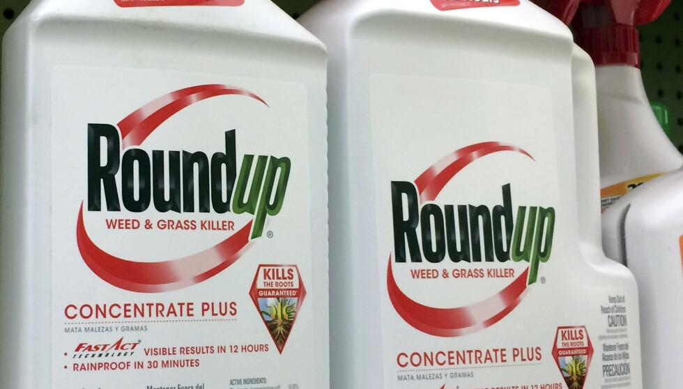SAKSØKES: Flere hundre kreftpasienter har saksøkt Monsanto med krav om erstatning etter bruk av ugressmiddelet Roundup. Foto: AP Photo / Reed Saxon / NTB Scanpix