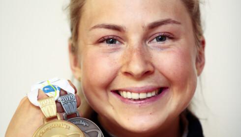 SUKSESS: Ingrid Landemark Tandrevold med gull og sølv fra Östersund. Foto: Lise Åserud / NTB scanpix