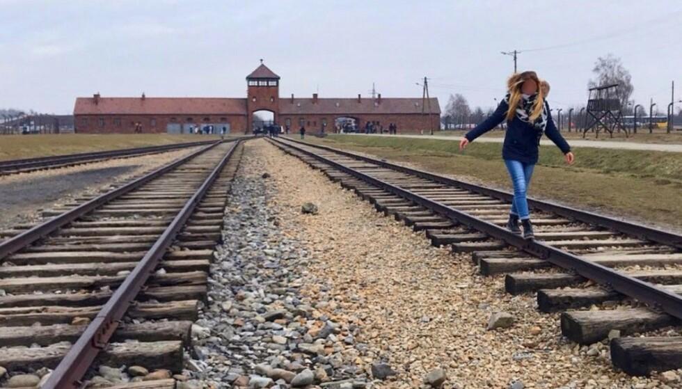 VIS RESPEKT: Auschwitz-museet ber folk ta i betraktning hvor de befinner seg når de besøker den tidligere konsenstrasjonsleiren. Foto: Auschwitz Memorial Museum