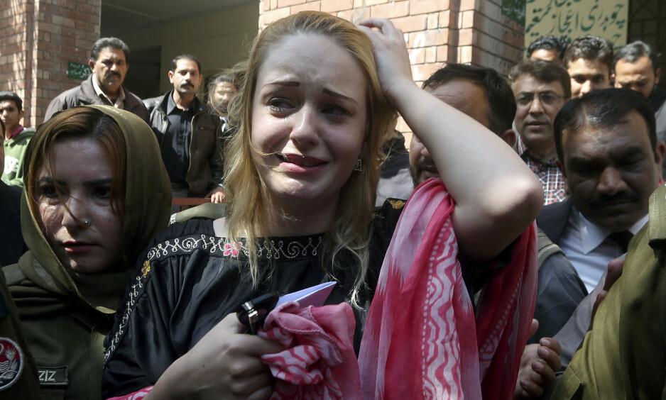 GRÅT: Da den 21 år gamle modellen fra Tsjekkia fikk dommen på onsdag, brast hun umiddelbart ut i gråt. Foto: NTB Scanpix