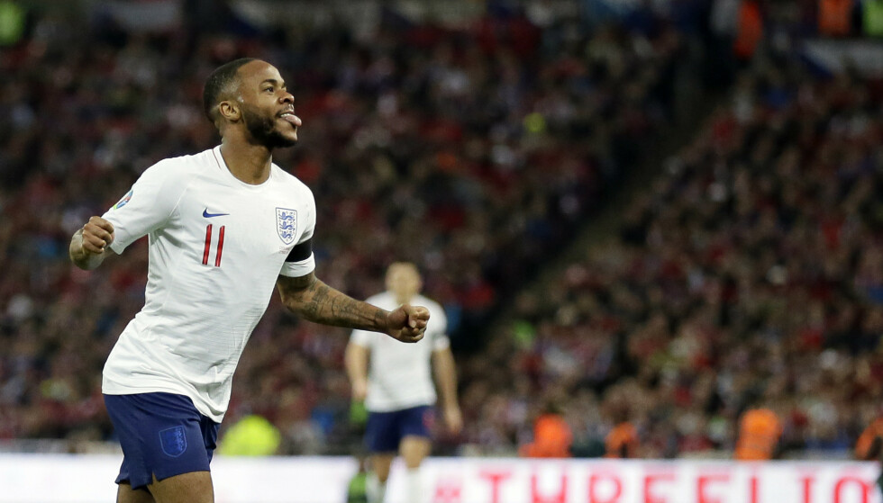 HATTRICK: Raheem Sterling jubler for scoring i Englands 5-0-seier over Tsjekkia. Foto: Tim Ireland / AP / NTB scanpix