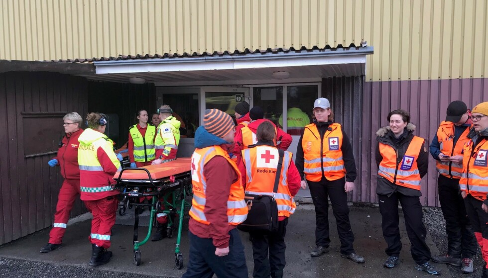 Røde Kors er på plass i idrettshallen. Foto: Røde Kors