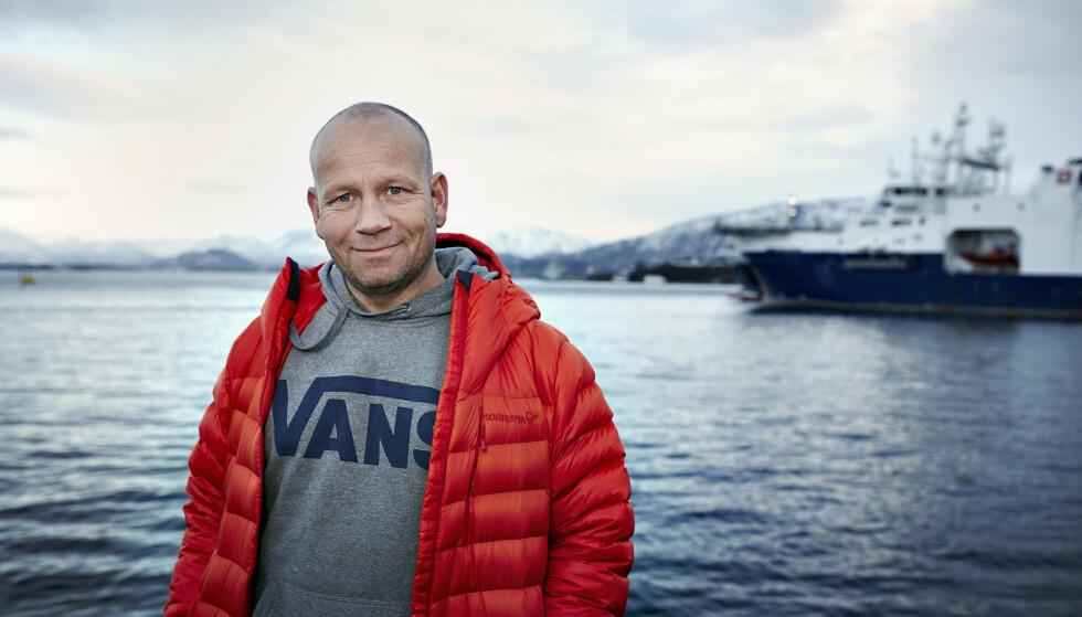 FISK OG FAENSKAP: I dag sier fiskehandler Fredrik Friberg : - Jeg går med hevet hode nå, og har avfunnet meg med at det alltid vil være dem som mener og sier ting om meg. Foto: Geir Dokken