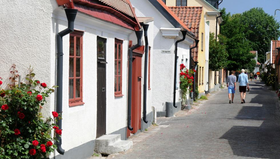 IDYLL: Nyt roen på brostenslagte gater i Visby. Foto: Rodrigo Rivas Ruiz