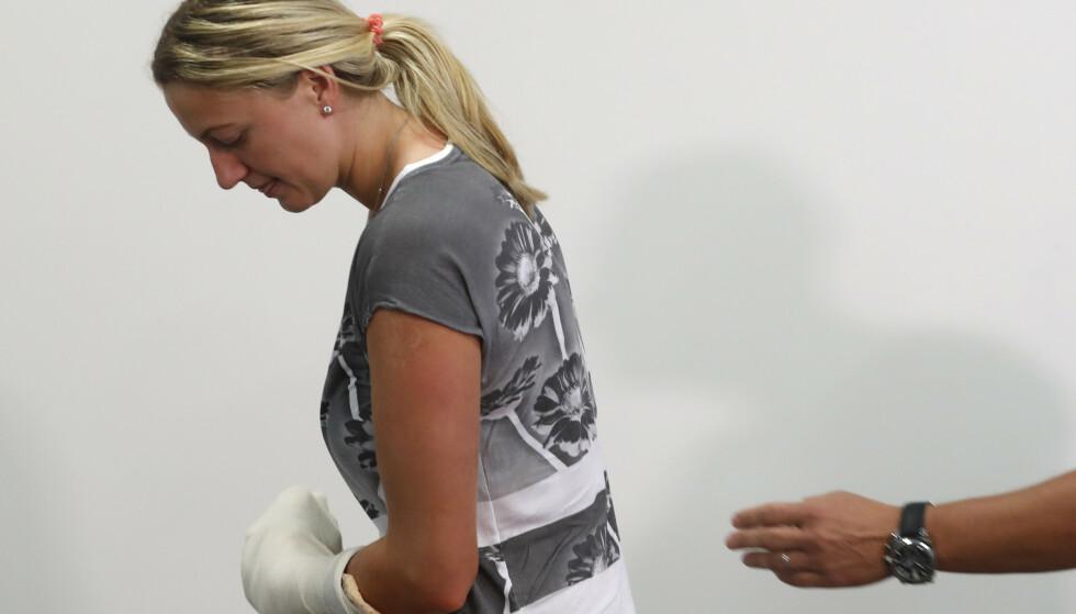 SKADD I 2016: Et voldsomt knivoverfall på den tsjekkiske tennisstjernen Petra Kvitová ga overfallsmannen åtte år i fengsel. Foto: AP Photo/Petr David Josek