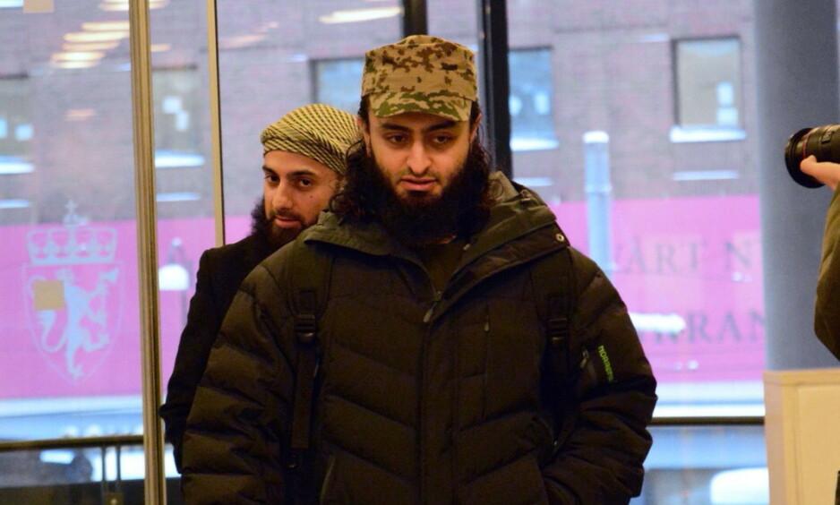 DØMT: Mohyeldeen Mohammad (foran) er av Borgarting lagmannsrett dømt til fengsel i to år og tre måneder for trusler mot Abid Raja. Foto: Ralf Lofstad / Dagbladet