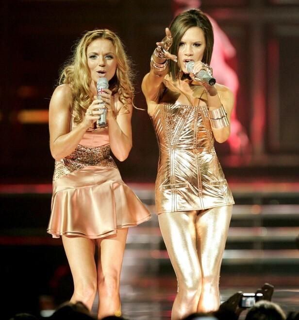 IKKE MED: Victoria Beckham skal ikke være med når Spice Girls nå i sommer skal gjenforenes. Her er hun fotografert sammen med Geri Halliwell i 2007, under en konsert i San Jose, California. Foto: NTB scanpix