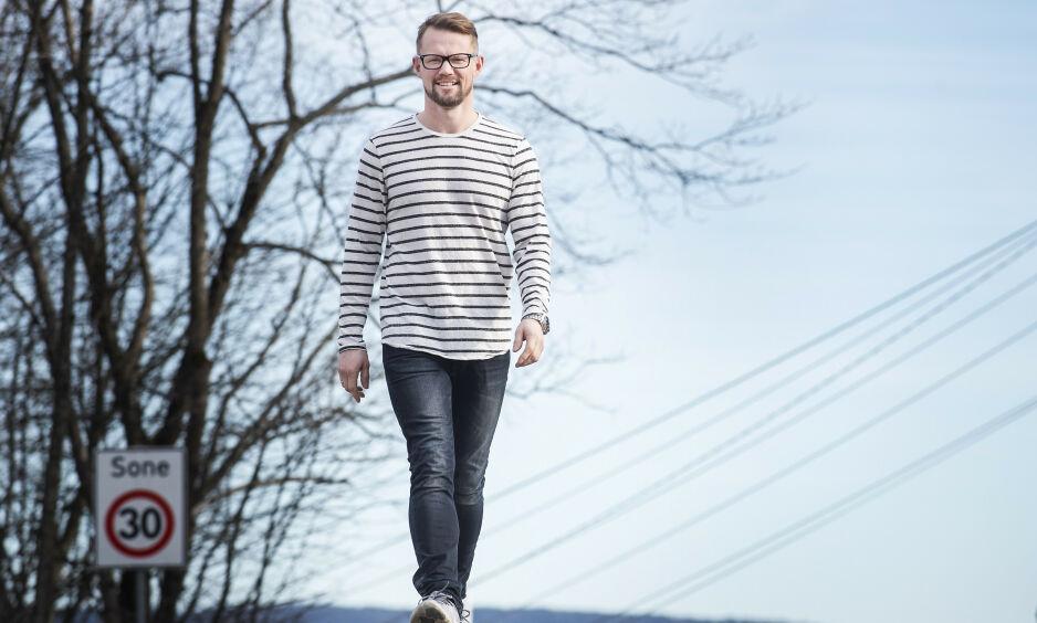 LA OM KOSTEN: - Etter at jeg la om kostholdet, ble jeg veldig mye bedre, sier Anders Kindberg (38). Han har slitt med tarminfeksjonssykdommen Crohns syndrom. Foto: Hans Arne Vedlog