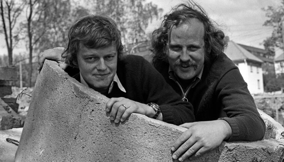HUMOR: Lars Mjøen trekker fram programmene Jon Skolmen lagde med Trond Kirkvaag (til venstre) som sine personlige favoritter. Her er humorduoen avbildet i Oslo i 1974. Foto: NTB Scanpix