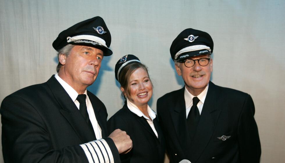 NRK-SERIE: I 2007 spilte Skolmen (til høyre) inn humorserien «Luftens Helter» sammen med Knut Lystad (til venstre) og Kristin Zachariassen. Foto: NTB Scanpix