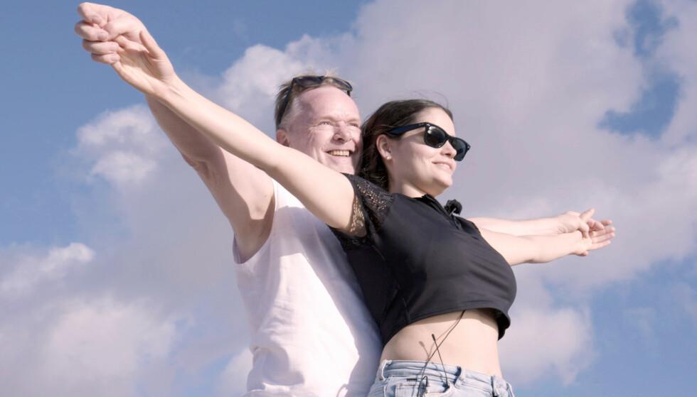 BLIR REALITY-STJERNER: TV3 avviser at meldingen om at Per Sandberg og Bahareh Letnes skal delta i «Charterfeber» er en aprilspøk. Foto: TV3 / Nordic Entertainment Group