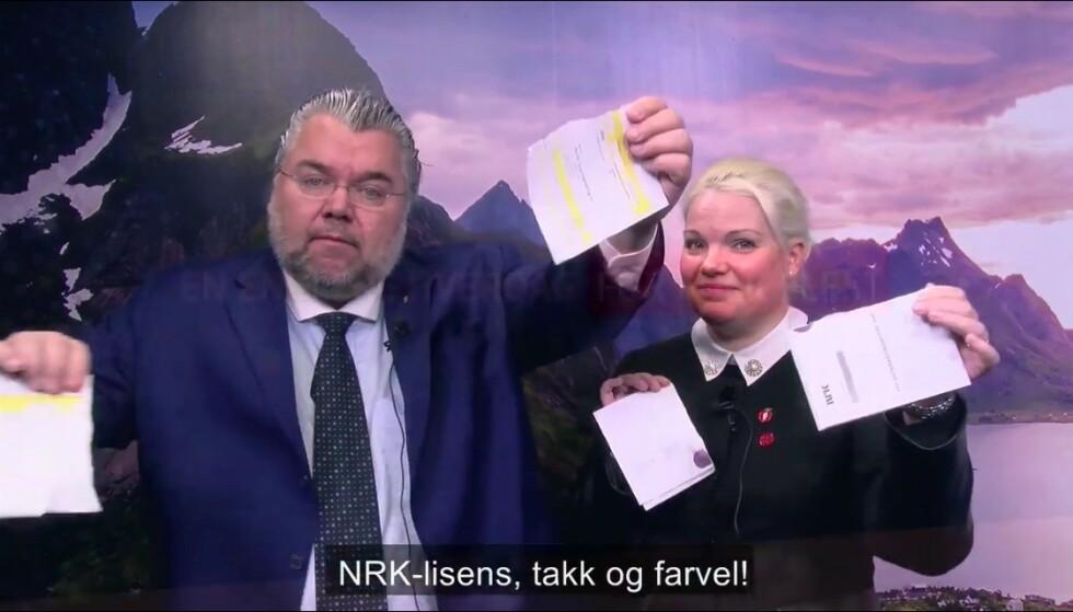 RIVES I TO: Giroen rives i to av Morten Wold og Silje Hjemdal. Foto; Skjermdump.