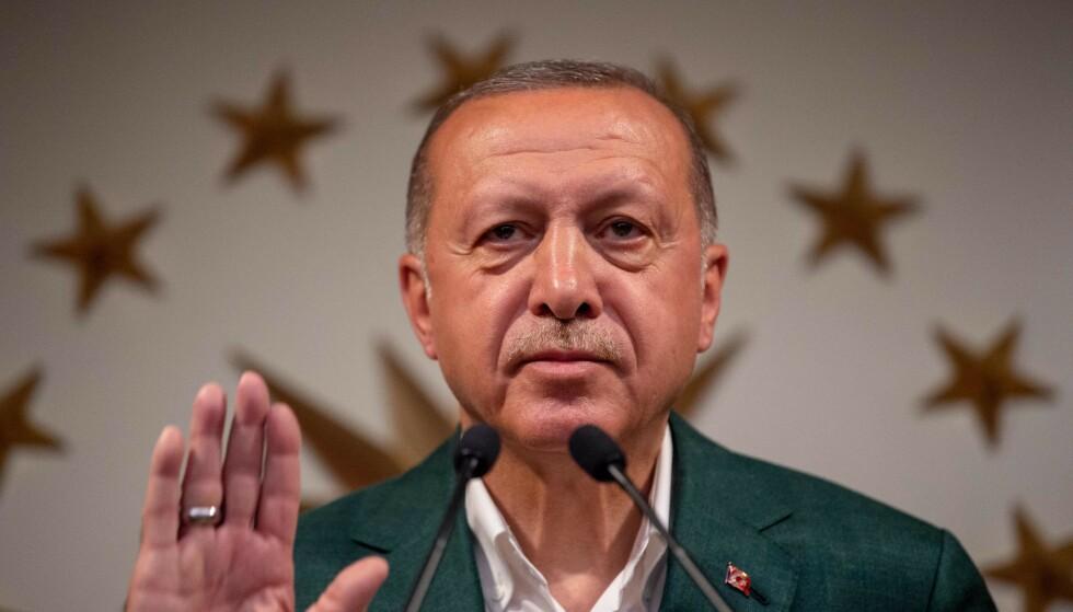 KYNISK: Utpeker kurderne som fienden. Kan slik kynisk kalkulering forklare Erdoğans nye krig? (Foto: Scanpix / BULENT KILIC / AFP)
