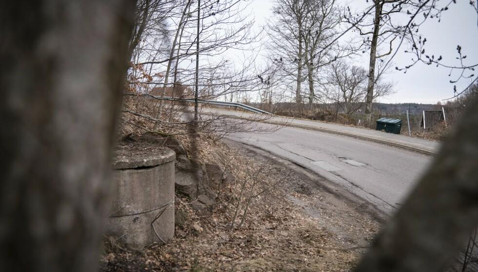 ÅSTEDET: Det var langs denne veien på Sem ved Tønsberg at kvinnen ble overfalt og voldtatt, ifølge politiet. Foto: Øistein Norum Monsen / Dagbladet