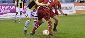 Her leker Ødegaard seg med motspilleren