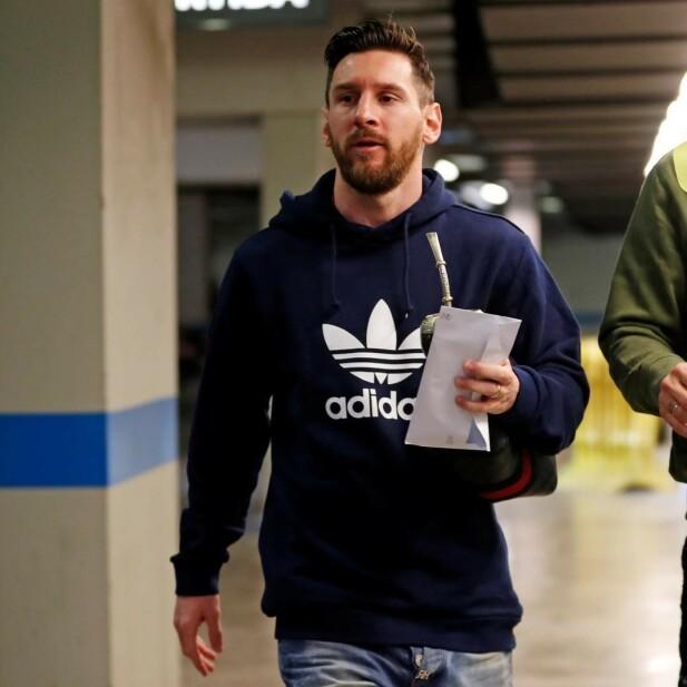 VIL GJERNE AVBILDES: Carl Erik Torp mener at spillerne gjerne avbildes med Yerba Mate fordi det forsterke identiteten. Foto: Messis Instagram-konto