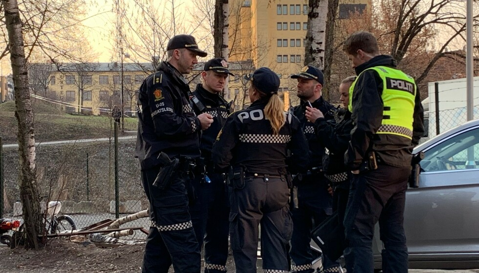 OSLO: En mann i starten av 30-åra er sendt til sykehus med skuddskader. Foto: Nicolai Eriksen / Dagbladet
