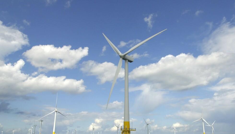 ENERGI: Vindturbiner i Nordsjøen. Norsk leverandørindustri kan bli best i verden på havvind, mener Jonas Gahr Støre. Foto: James Bass/ Edppics/Scanpix
