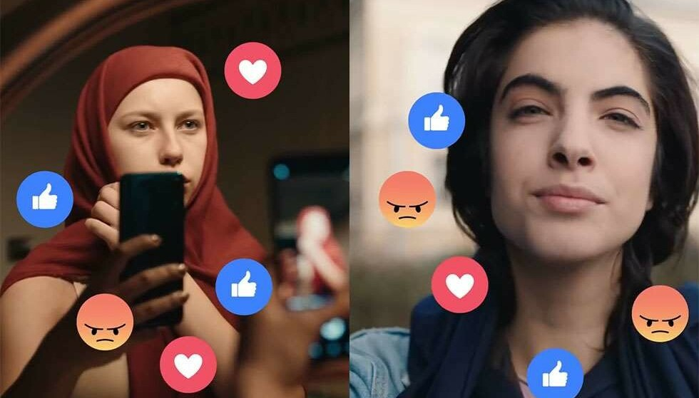 OMSTRIDT: Telia har fått kritikk, særlig fra liten gruppe gutter med muslimsk bakgrunn, for en reklamesnutt der en ung kvinne tar på seg og tester ut en hijab og en som tar av seg et sjal fra hodet. Foto fra Telia-reklamen