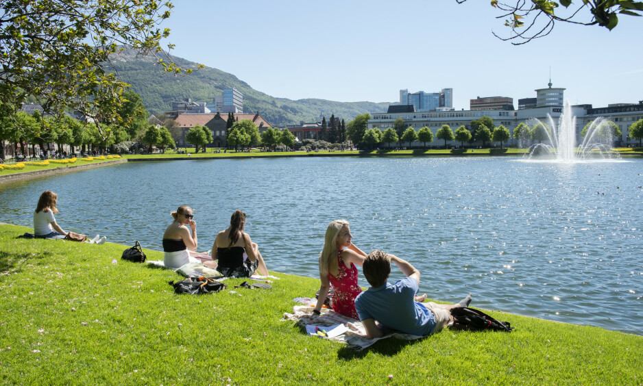 SOMMERVÆR: Bergen har opplevd sin første sommerdag - tidlig i april. Arkivfoto: Rune Sævig / NTB Scanpix