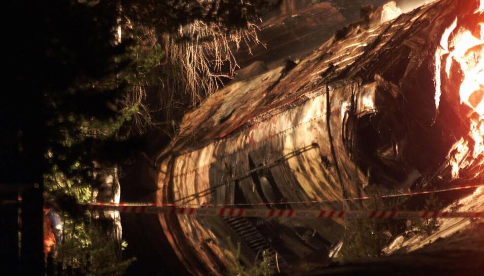UTBRENT TOG: Den tragiske ulykken krevde 19 menneskeliv. Foto: NTB Scanpix