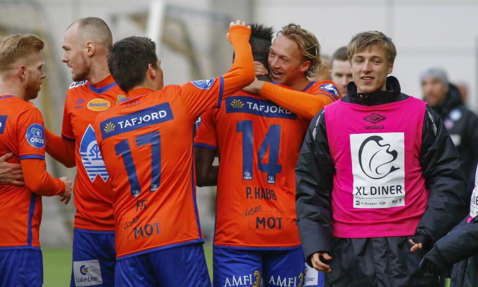 GOD START: Aalesund står med fire poeng etter to kamper i Obos-ligaen. Her etter 1-1-kampen mot Start i serieåpninga. Foto: Tor Erik Schrøder / NTB scanpix
