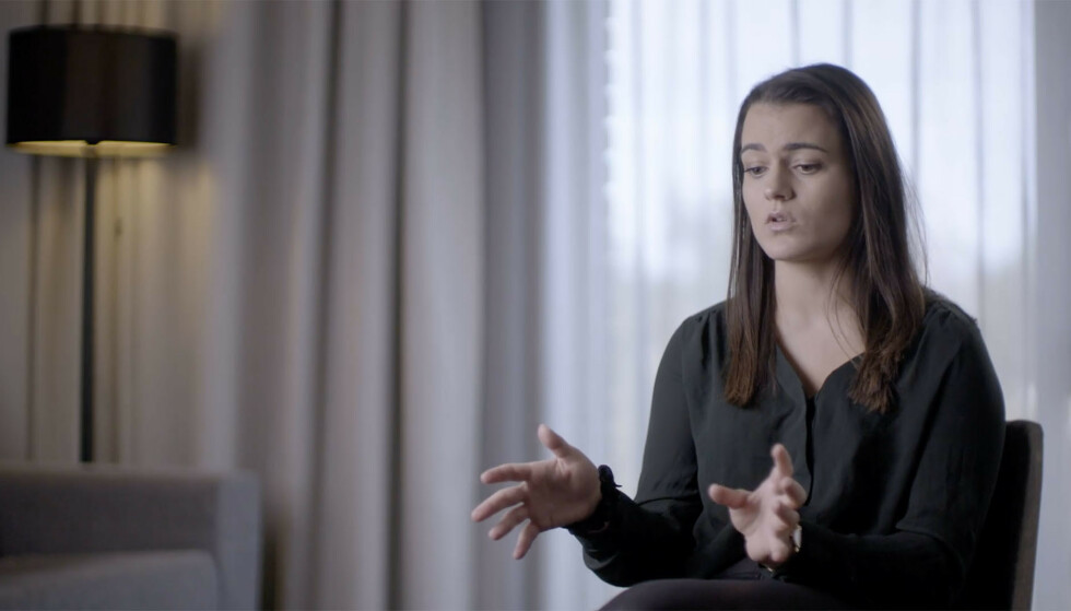 VAR TRE ÅR: Sara Zainab Johansen var tre år gammel da ulykken rammet. I dag forteller hun historien sin på TV. Foto: TV 2