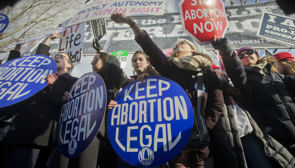 VEKKER OPPSIKT: Flere reagerer på Alabamas forslag om å gjøre abort ulovlig. Illustrasjonsfoto: AP/Pablo Martinez Mosivais