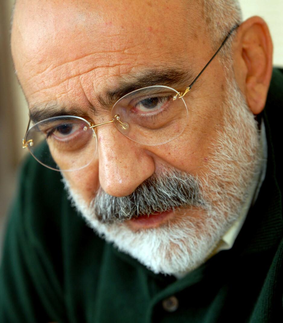 KRITIKERROST OG FENGSLET: Den fengslede tyrkiske forfatteren Ahmet Altans siste bok «Eg får aldri sjå verda igjen» (Samlaget) fikk en sekser i Dagbladet i januar. Foto: NTB Scanpix