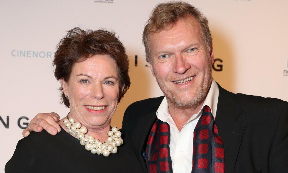 ÅPNE: Sven Nordin og kona Torhild Strand har vært gift i over 30 år. Da Nordin i helgen blottla parets sexliv i et stort intervju med Dagbladet, reagerte kona på en uventet måte. Foto: Andreas Fadum