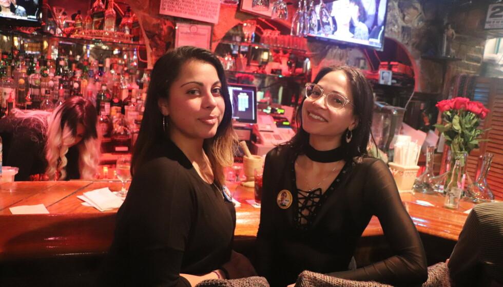 DREV VALGKAMP: Christa Marez (t.v.) og Jennifer Martinez banket på dører for AOC under valgkampen. Foto: Foto: Vegard Kristiansen Kvaale / Dagbladet