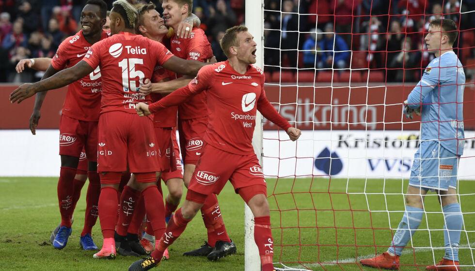 SEIER: Brann-jubel etter at Christian Eggen Rismark scoret mot Kristiansund på Brann stadion onsdag. Foto: Marit Hommedal / NTB scanpix