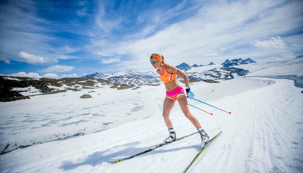 TRENING I VARMEN: Therese Johaug på Sognefjellet i 2017. Foto: NTB Scanpix