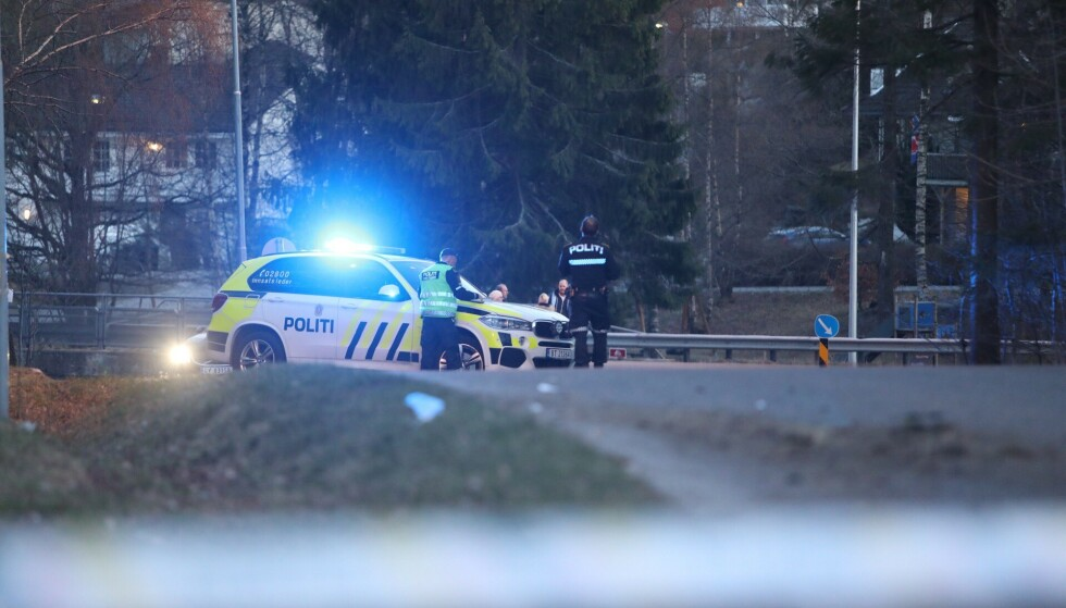 PÅKJØRT: To personer ble fredag kveld påkjørt og skadet på Lahelleveien i Sandefjord fredag kveld. Foto: Fredrik Rimork Wiig / wiigfoto.com