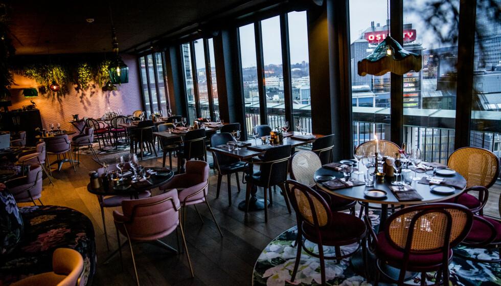 STOR FALLHØYDE: Maten på Norda i 13. etasje på Stordalens nye hotell, når ikke de helt store høyder. Foto: Christian Roth Christensen